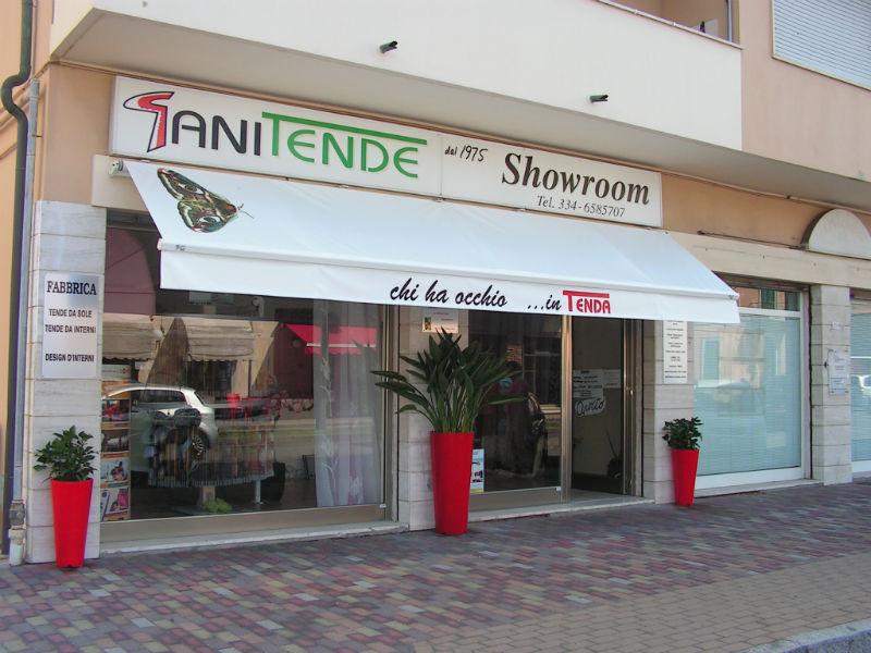 showroom di tende, strutture da esterni e tessuti da interni a San Vincenzo (Livorno)