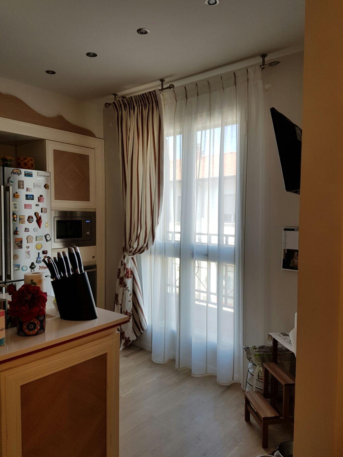 Tende per interni su misura e senza intermediari gani tende for Tende casa classica