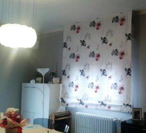 tenda a pacchetto bianca con fiori rossi e grigi <b>RIF: TC162</b>