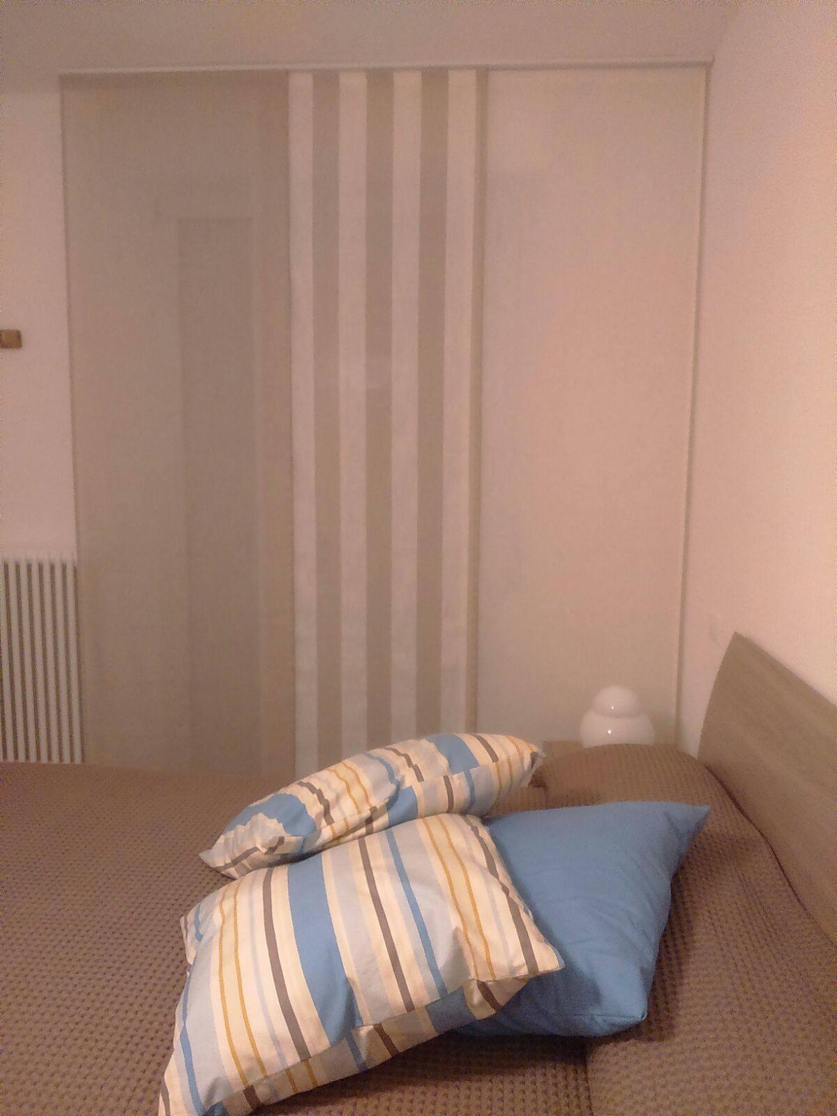 tende a pannello in puro lino coordinate con cuscini e copriletto 1