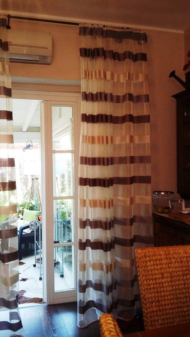 Tende arricciate classiche o moderne sceglile con la for Tende a righe verticali
