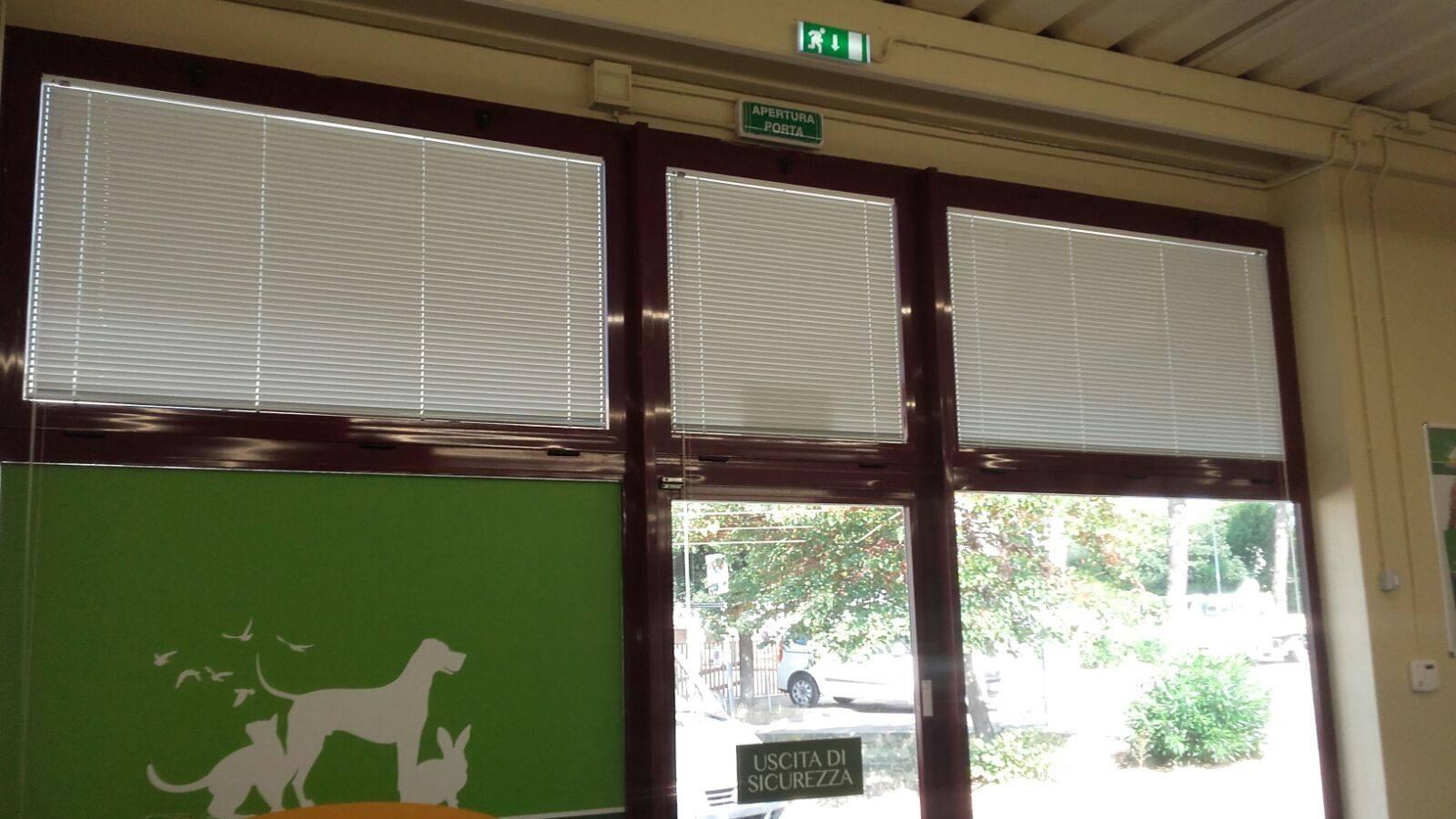 Tende Per Ufficio Veneziane : Tende da ufficio modelli tessuti caratteristiche tecniche