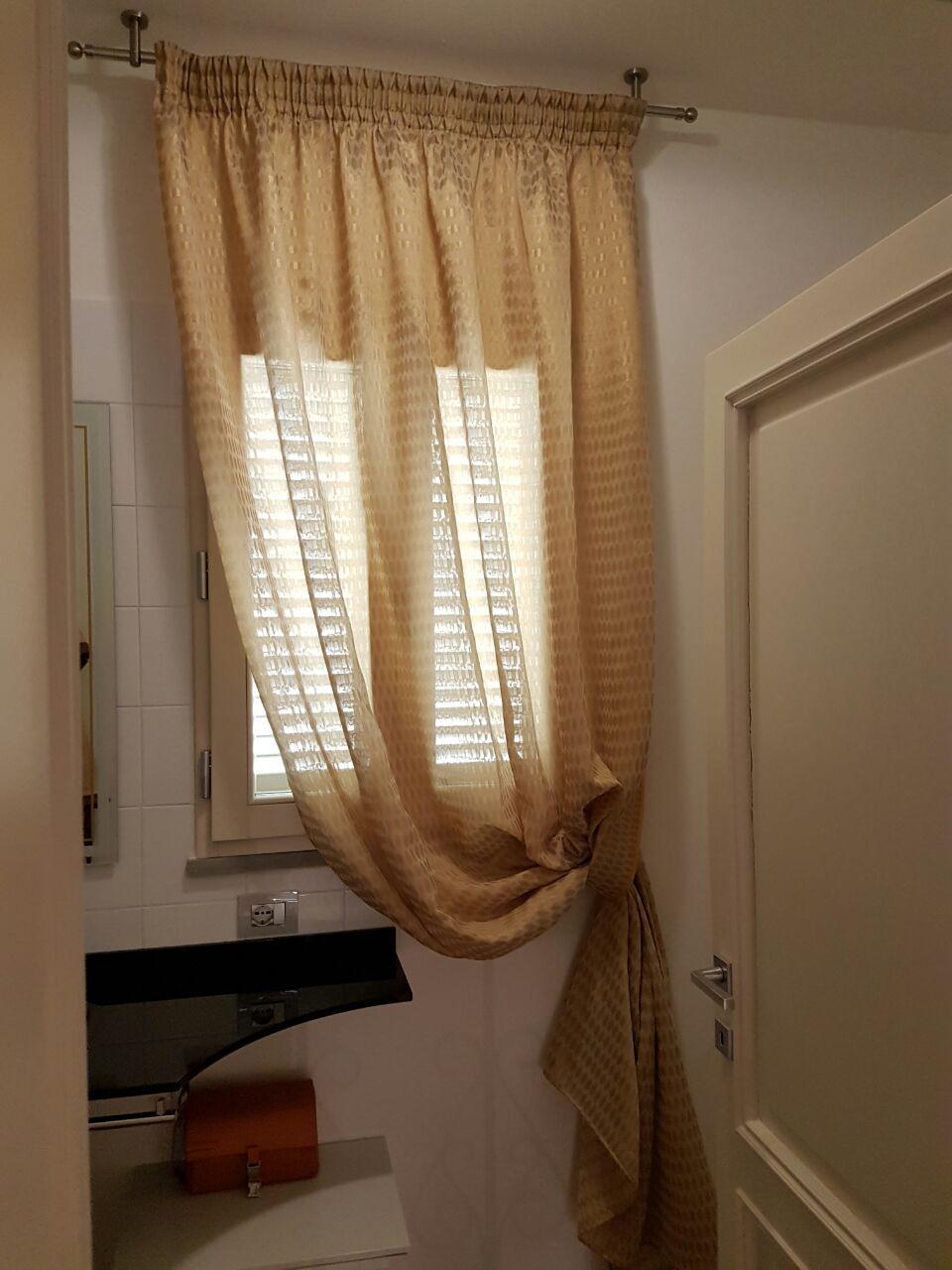 Tende per interni su misura e senza intermediari gani tende - Tende classiche per bagno ...