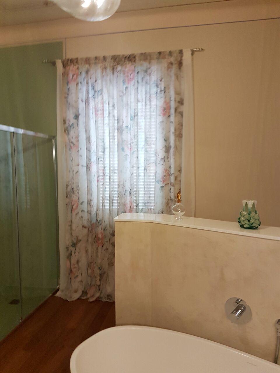 Tende per interni su misura e senza intermediari gani tende - Modelli di tende per bagno ...