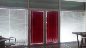 tende veneziane rosse e bianche <b>RIF: TC249</b>