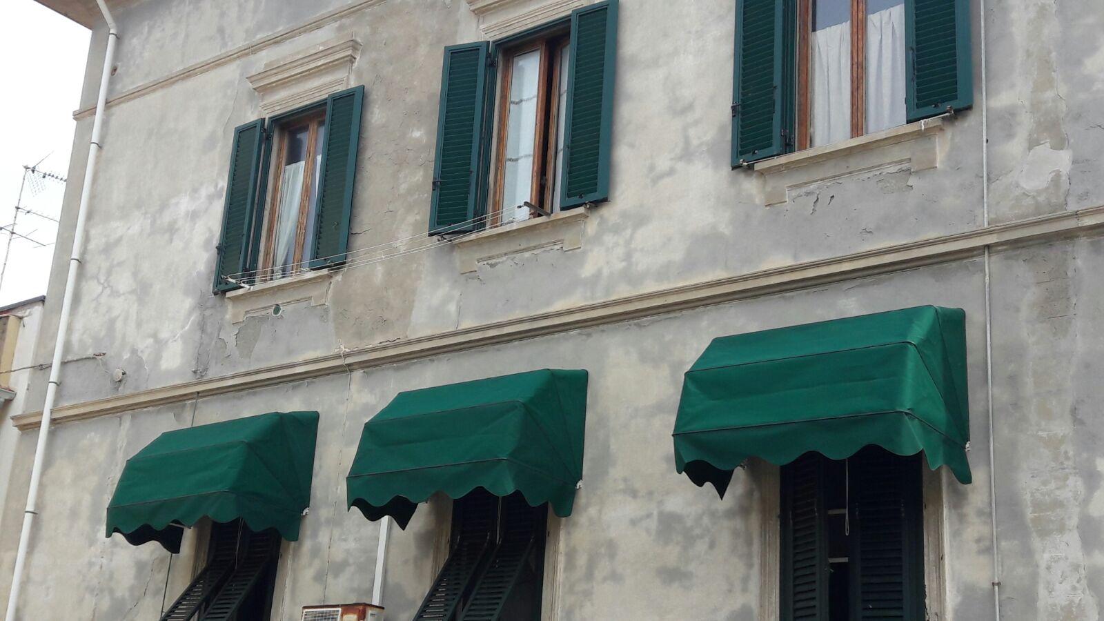 cappottine verdi per condominio <b>RIF: TS147</b>