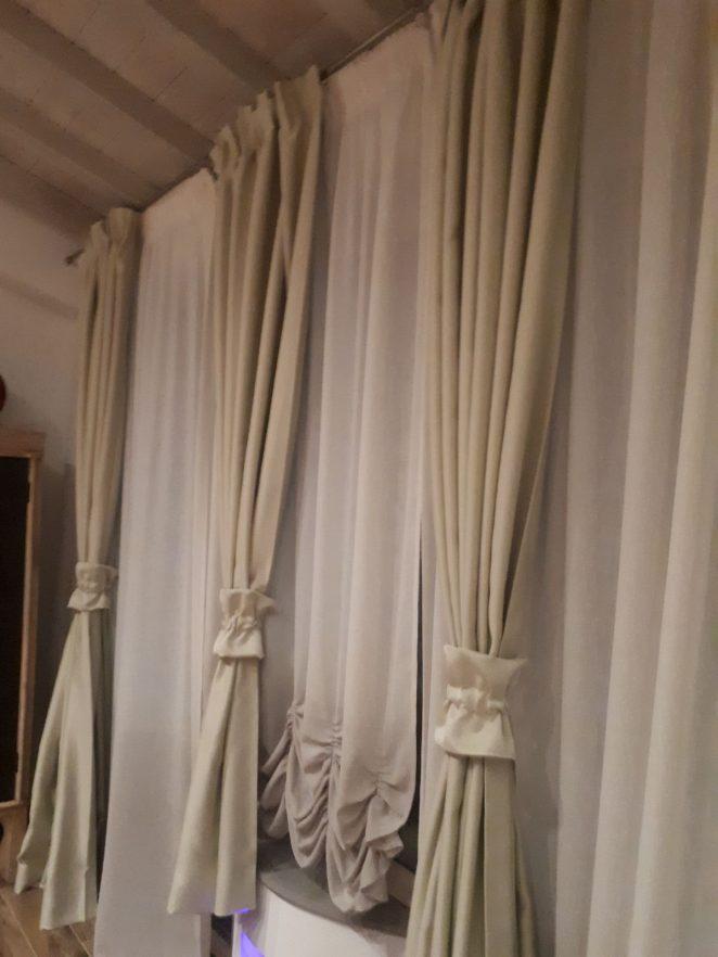 Tende arricciate classiche o moderne sceglile con la nostra guida gani - Tende da camera da letto classiche ...