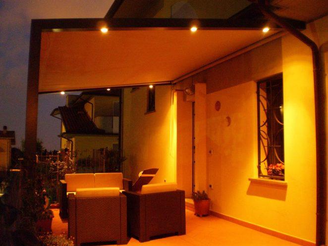 Tende per case negozi hotel e strutture pubbliche gani - Gazebo da parete ...