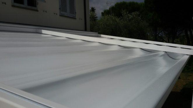 tetto della pergola modello portofino per giardino in toscana