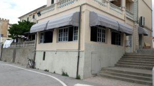"""cappottine per ristorante """"papaveri e mare"""" a san vincenzo (li) <b>RIF: TS98</b>"""