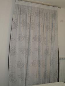 tenda con tessuto a rose stilizzate <b>RIF: TC307</b>