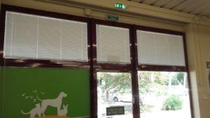 tende alla veneziana guidate per negozio <b>RIF: TC188</b>