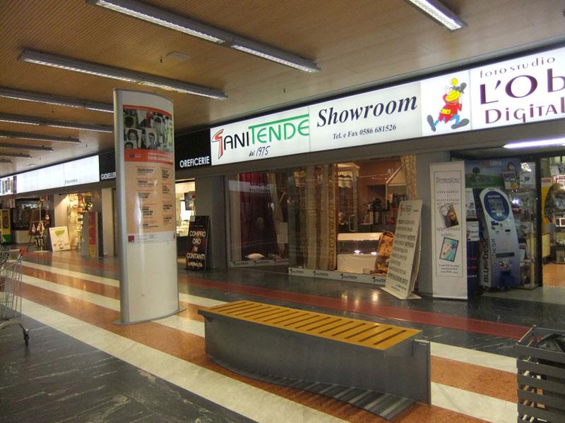 showroom di tende, strutture da esterni e tessuti da interni a Cecina