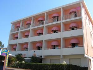 tende da sole a cappottina per hotel in toscana<b>RIF: TS240</b>