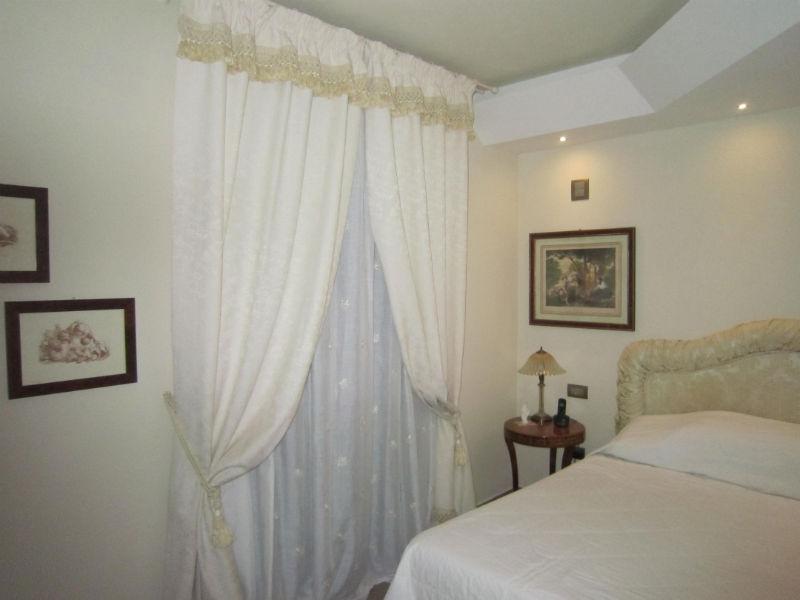 Come scegliere il colore delle tende gani - Tende da camera da letto classiche ...