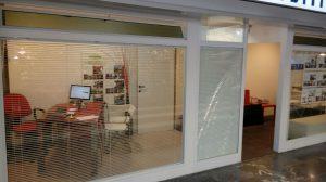 tende veneziane bianche per ufficio RIF: TC403