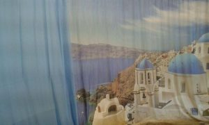 tenda in mussola stampata con panorama dell'isola santorini <b>RIF: TC377</b>