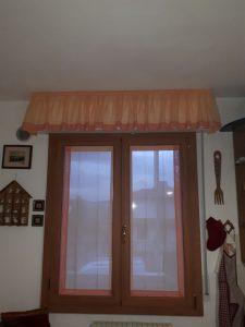 tende classiche a vetro con mantovana coordinata <b>RIF: TC429</b>