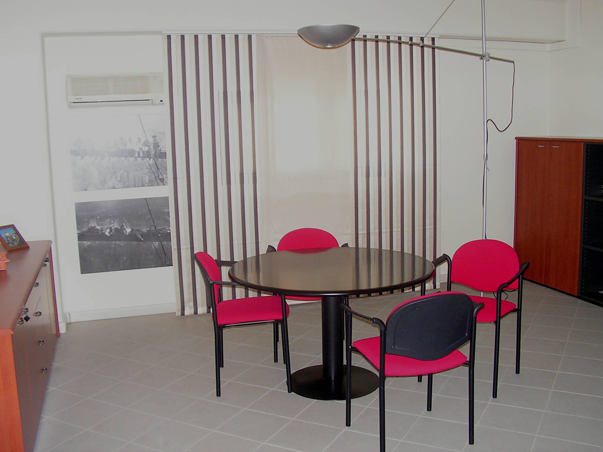 Tende Per Ufficio : Tende da ufficio modelli tessuti caratteristiche tecniche gani