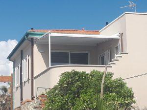 pergola addossata per schermatura terrazza RIF: SE116