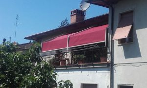 coppia di tende a capanno rosse per terrazzo RIF: TS308