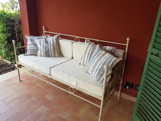 rivestimento cuscini per divano in tessuto acrilico da esterni mano morbida