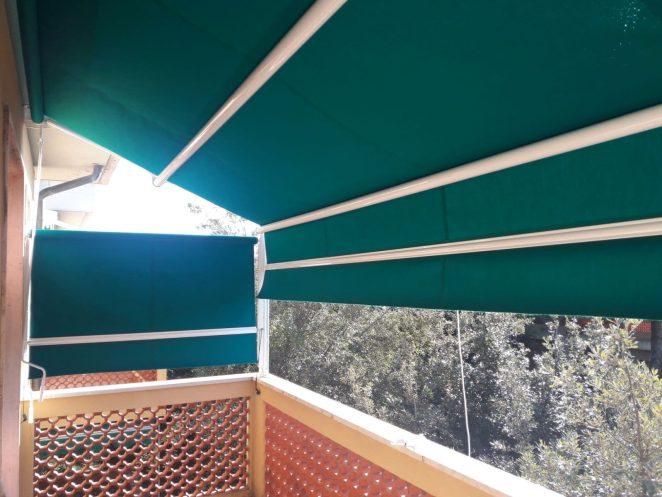tenda a capanno e tenda a caduta verdi
