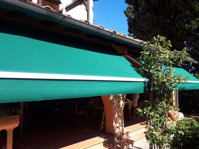 2 tende a bracci verdi per cortile interno