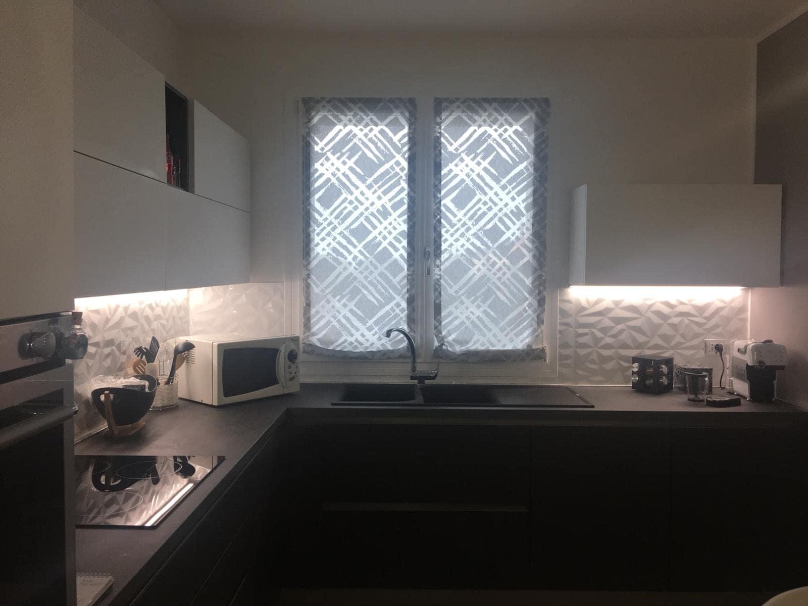 tende a pacchetto a vetro per cucina moderna