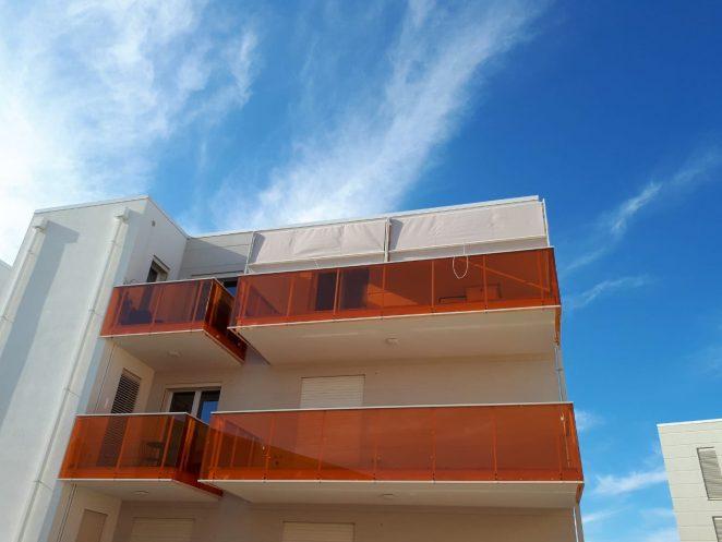 2 tende a capanno per copertura terrazzo scoperto in condominio in toscana