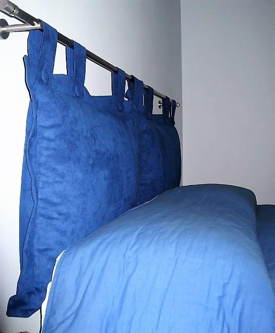 asta più cuscini in alcantara per testata letto